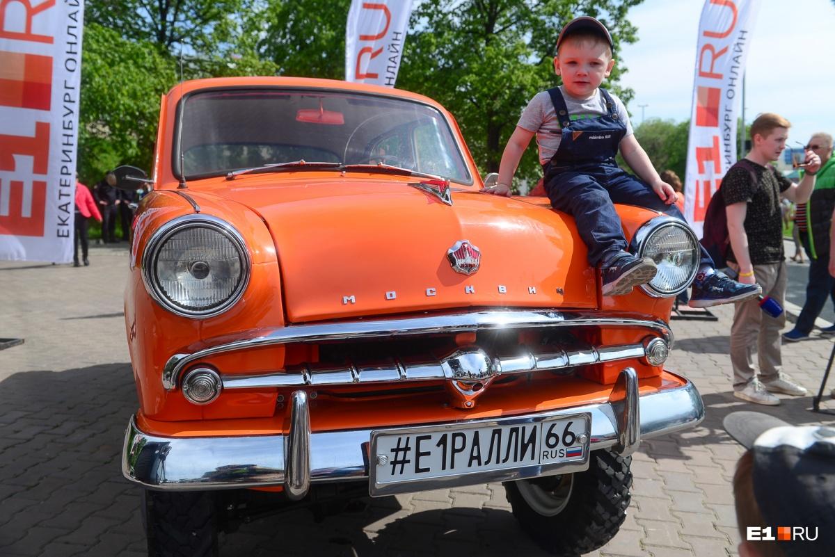 На старт выйдут60 автомобилей,выпущенных в период с 1930 по 1988 год