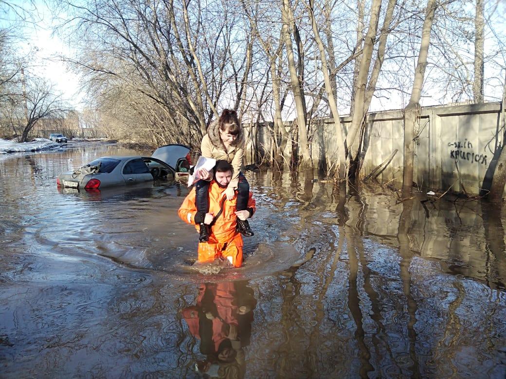 На улицах Бердска настоящий потоп
