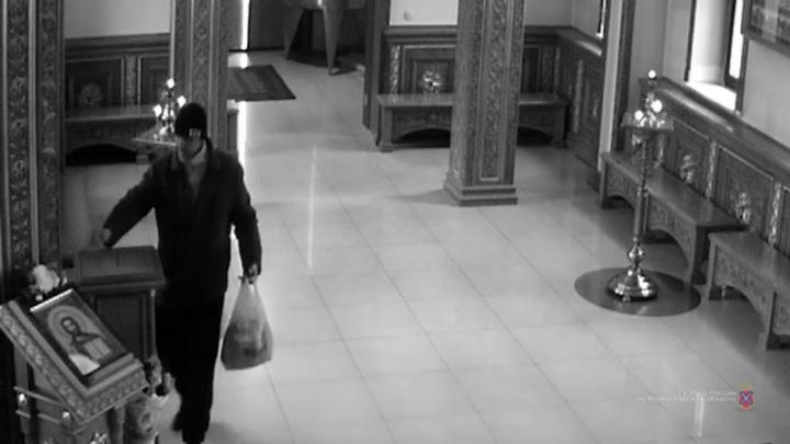 «Пудовые замки уже вешаем»: в Волжском задержали вора, кормившегося на церковные пожертвования