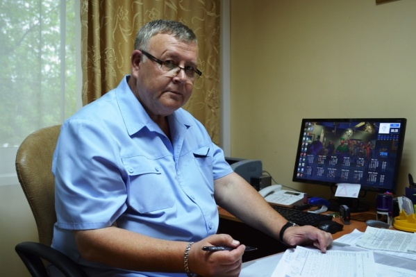 Александр Абрамов недоволен тем, что его зарплата стала вдвое меньше после введения нового плана