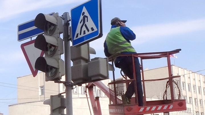 На загруженном перекрёстке возле Речного вокзала на день отключают светофоры