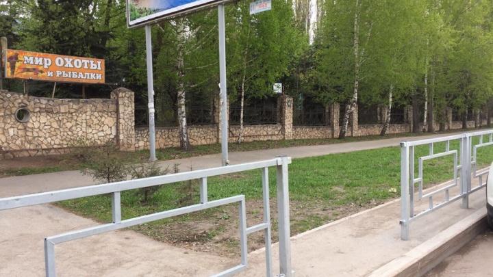 В Уфе вандалы сломали дорожные ограждения