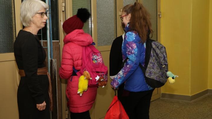 «У нас дед сидит»: после стрельбы в Благовещенске нижегородцы встревожены ситуацией с охраной школ