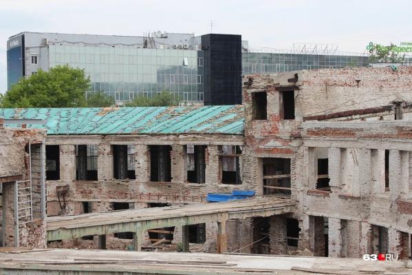 Сейчас здание находится в полуразрушенном состоянии