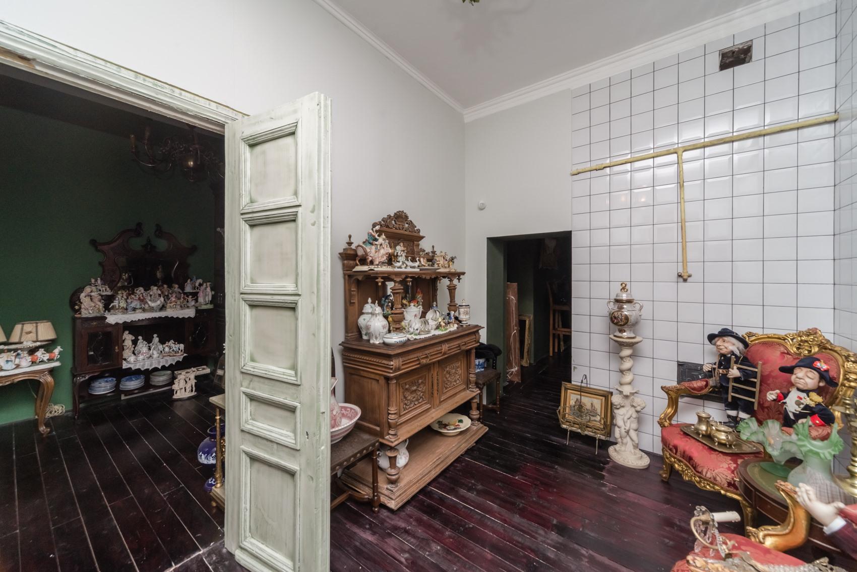 Квартира больше похожа на музей