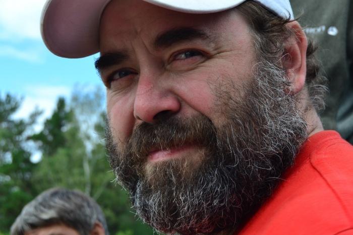 Традиционные участники «АкБарда» —мужчины в полном расцвете сил и с бородами