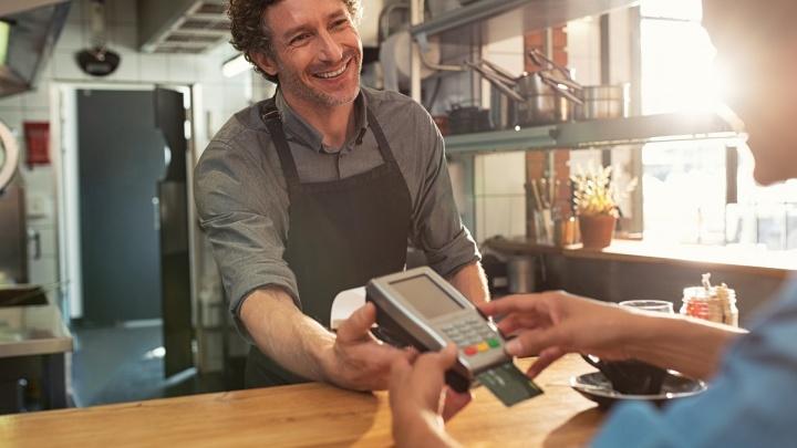 Умная экономия на эквайринге: предпринимателям предложили тот же сервис, но дешевле