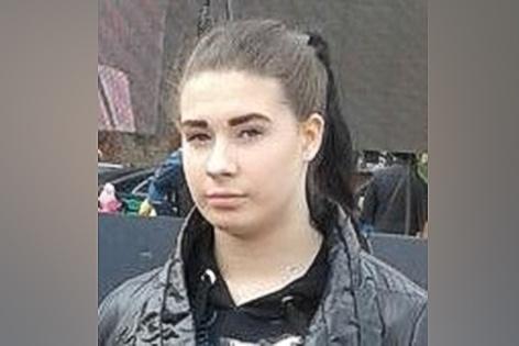 В Новосибирске пропала 15-летняя девочка с пирсингом в носу