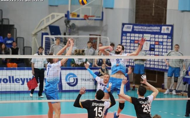 Волейболисты «Урала» отвечают на вопросы по школьной программе