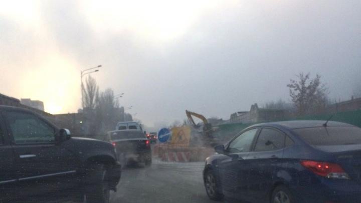 «Пробки и езда по встречке»: автомобилисты пожаловались на затянувшийся ремонт улицы Луначарского