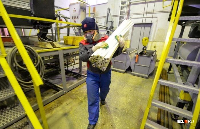 Выбрасывать опасные отходы в обычный контейнер нельзя