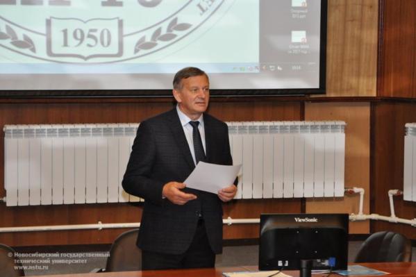 В среднем Анатолий Батаев зарабатывал в 2017 году 260 тысяч каждый месяц