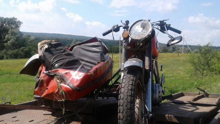 В Башкирии опрокинулся мотоцикл  с коляской: погибла 12-летняя девочка