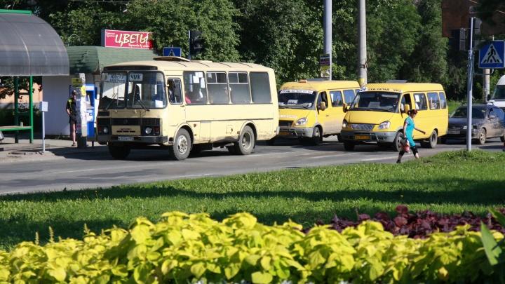 Кто управляет? В Челябинске запустили новые маршрутки, но они оказались нелегальными