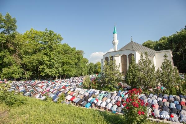 Ураза-байрам отмечают в честь окончания поста в месяц Рамадан