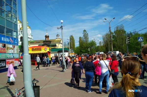 ТЦ «Новый Век» на улице Дьяконова эвакуировали около часа дня<br>