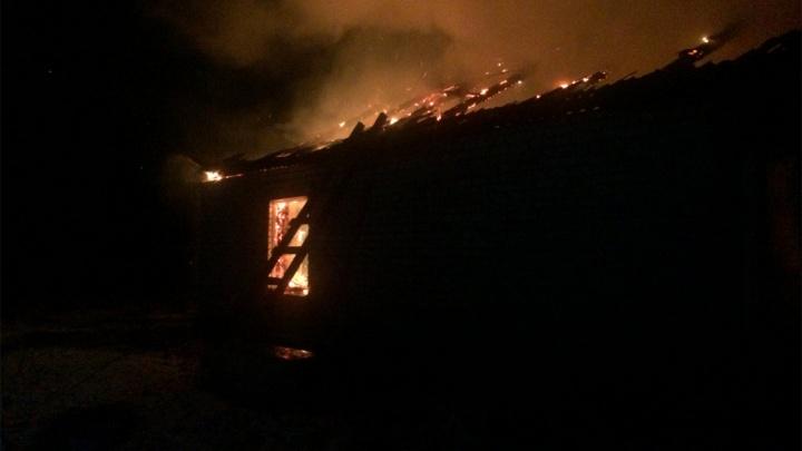 В МЧС рассказали подробности сильного пожара в Ростове Великом