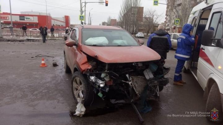 Пострадали четверо: в полиции рассказали подробности жесткого ДТП в Волжском