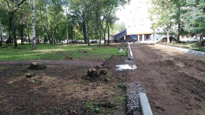«Завтра ты проснешься на пустыре»: уфимка пожаловалась на вырубку деревьев в сквере «Дубки»