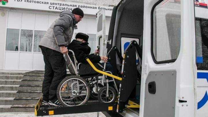В Зауралье пенсионеров и маломобильных людей из посёлков начали бесплатно возить в больницы
