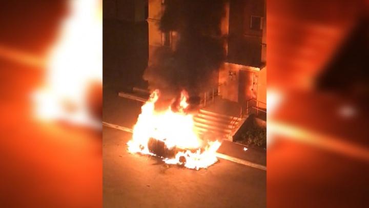 В Башкирии ночью сгорел «Мицубиси Аутлендер»