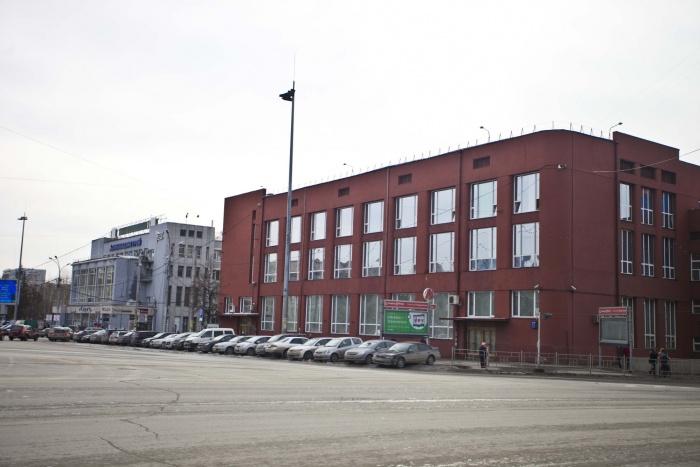 Полпред предложил архитекторам заняться обликом Красного проспекта