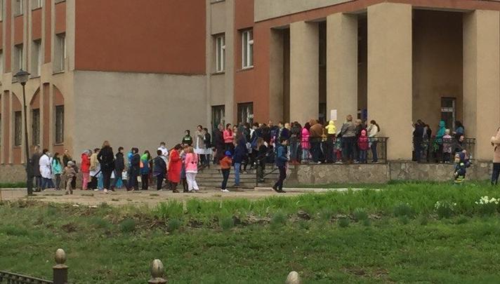 В Стерлитамаке эвакуировали людей из детской поликлиники