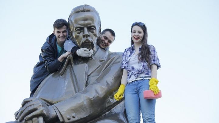 Крепостной инженер и православный физик. Три памятника изобретателям в Екатеринбурге