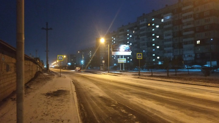 После аномально теплых выходных Красноярск засыпало снегом