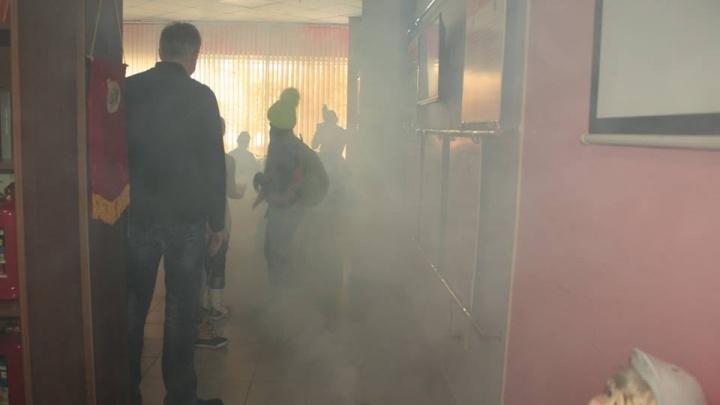 Детей учат выбираться из дыма, а ТРЦ срочно проверяют сами себя: какие выводы сделаны после Кемерово