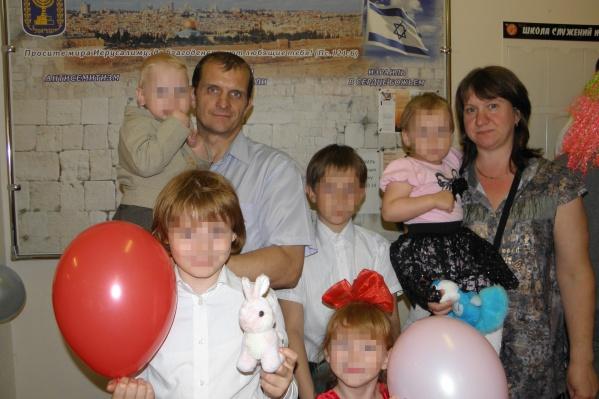 Сейчас в семье Антоновых семеро детей — младший родился 3 сентября