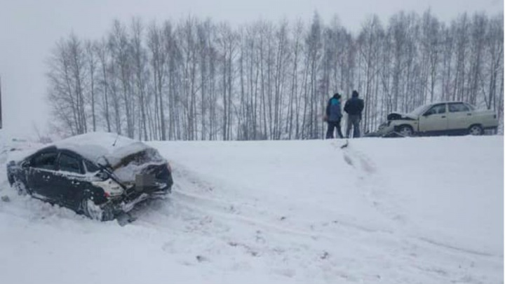Один погиб, четверо — в больнице: в Башкирии произошло серьезное ДТП