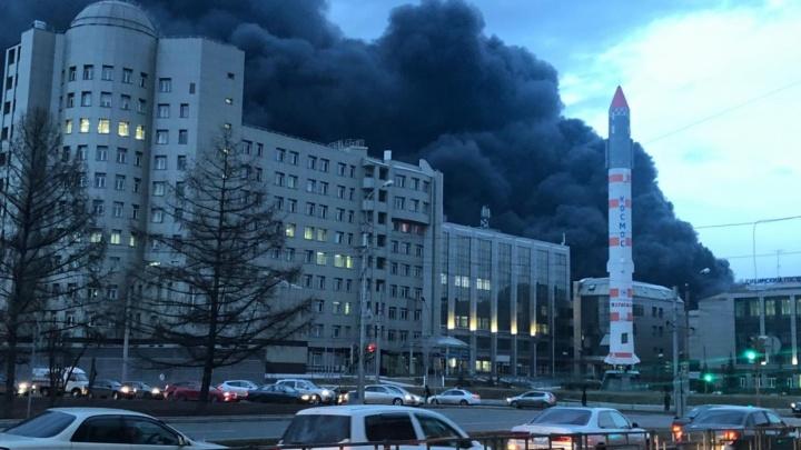 Продолжается проливка цехов «Бирюсы» после страшного пожара