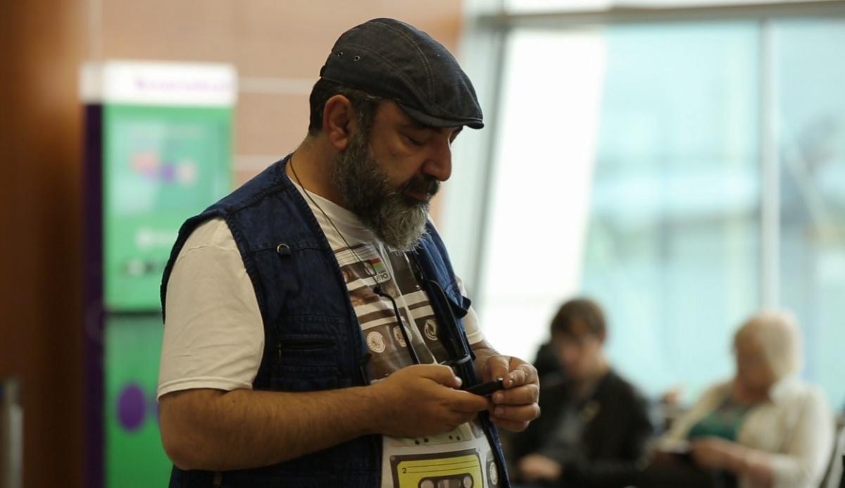 Секретный миллионер ждет свой рейс в Пермь