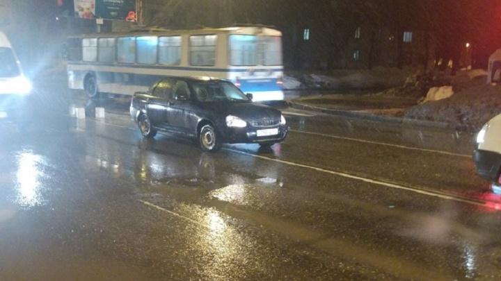 Очевидцы: на проспекте Металлургов «Приора» сбила двух глухонемых пешеходов
