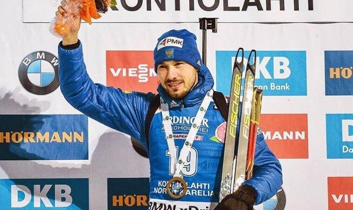 На аукционе можно купить, например, лыжи Антона Шипулина