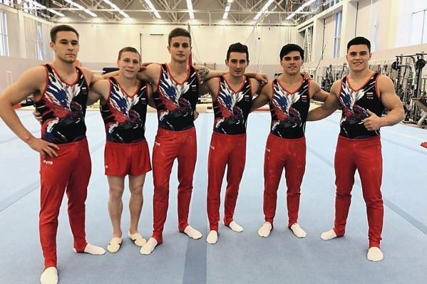 Иван Стретович (третий слева) претендует на место в сборной на Олимпийских играх следующего года