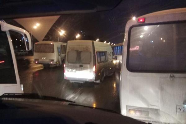 Такой вид из своего автобуса наблюдал Вадим Беляков