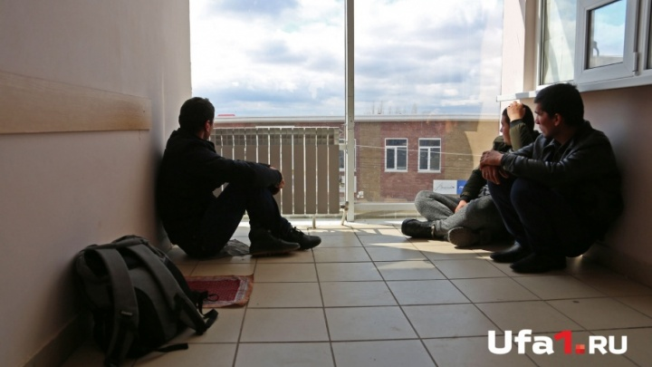 Год условно и штраф 150 тысяч рублей: в Башкирии наказали друзей, прописавших 44 иностранца