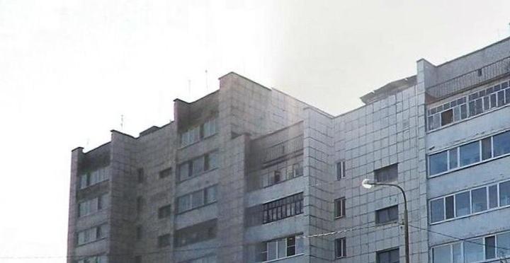 Тюменские медики спасают мужчину, который упал с 7-го этажа и остался жив