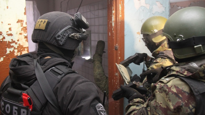 В Архангельске силовики «отрепетировали» действия при захвате воинской части