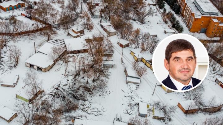 Подозреваемый в хищениях при строительстве зоопарка стал фигурантом дела о сносе гаражей на Разгуляе