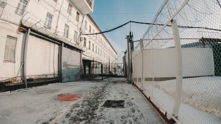 Осужденные тюменских колоний задолжали потерпевшим более миллиарда рублей