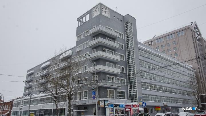 Власти отреставрируют знаменитый «Дом с часами» в 2021 году