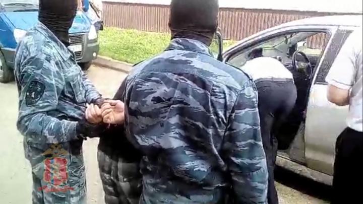 Суд оставил на свободе двоих вымогателей, избивающих битой бизнесменов из Зеленогорска