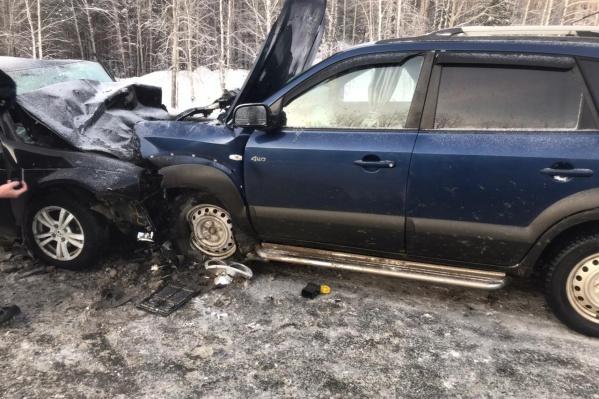 По предварительным данным, в аварии участвовали два легковых автомобиля