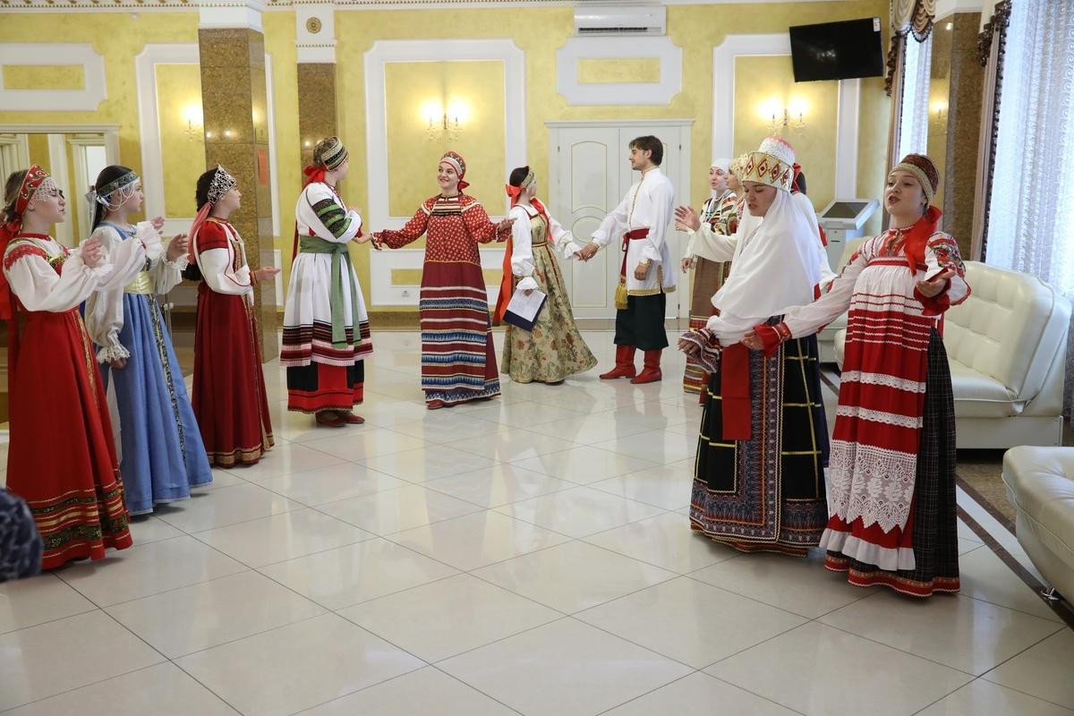 5 июля 2019 года на одной из регистраций ансамбль«Душегреечка» исполнял свадебные и величальные песни