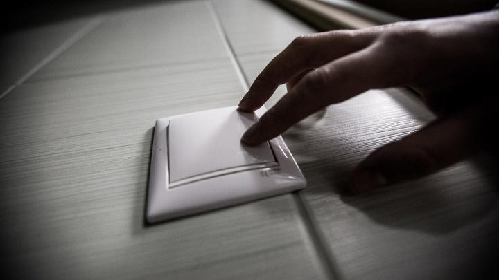 190 домов в Октябрьском районе остались без света из-за аварии