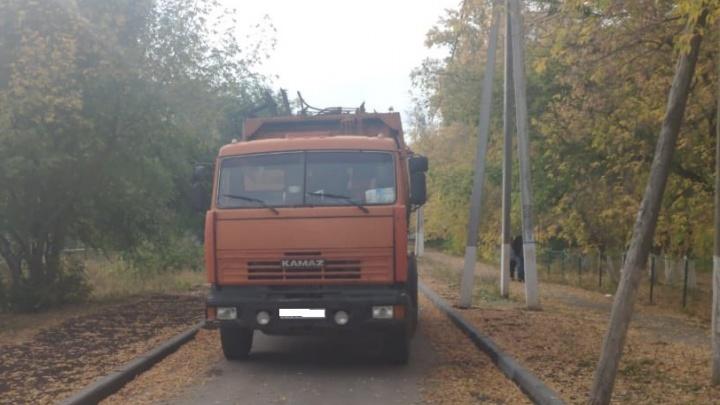 В Самарской области водитель мусоровоза насмерть задавил пенсионерку