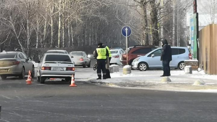 На Амундсена 19-летний парень на «четырнадцатой» сбил школьницу